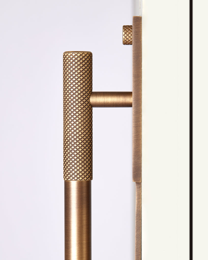 close up of mix solid brass pull handle