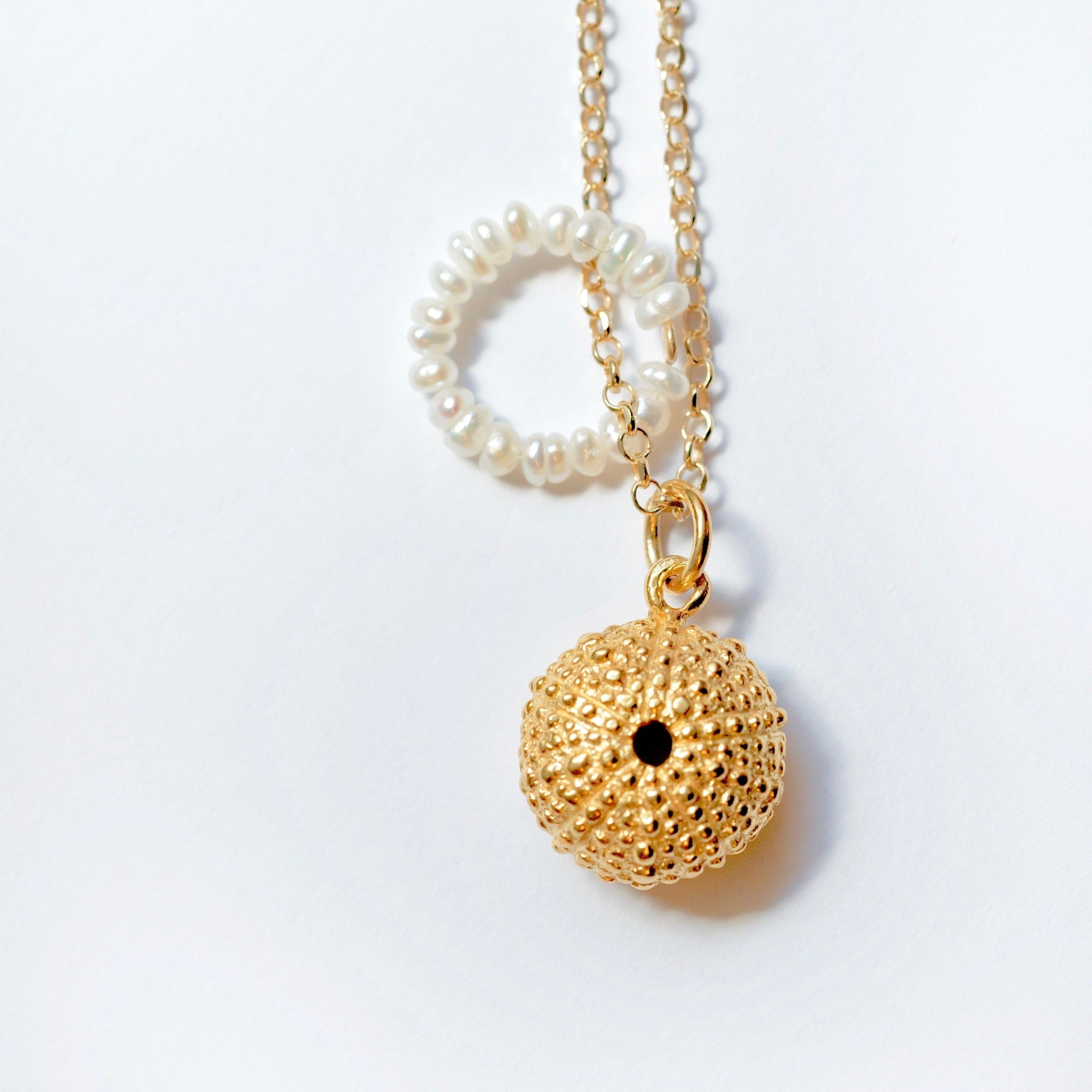 Necklace Sea Urchin - Pearls - Gold Plated