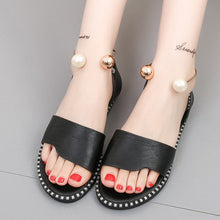 Summer Fashion New Flat-Bottomed Pearl Buckle Sandals
