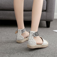 Chic Round Toe Printed Split Joint Buckle Sandal