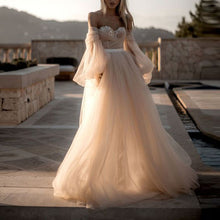 Solid Color Mesh Wrapped Chest   Puff Sleeve Wedding Dress