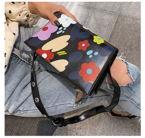 Fashion Flower Doodle Shoulder Messenger Bag