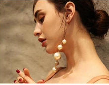 Woman Pearl Long Earrings