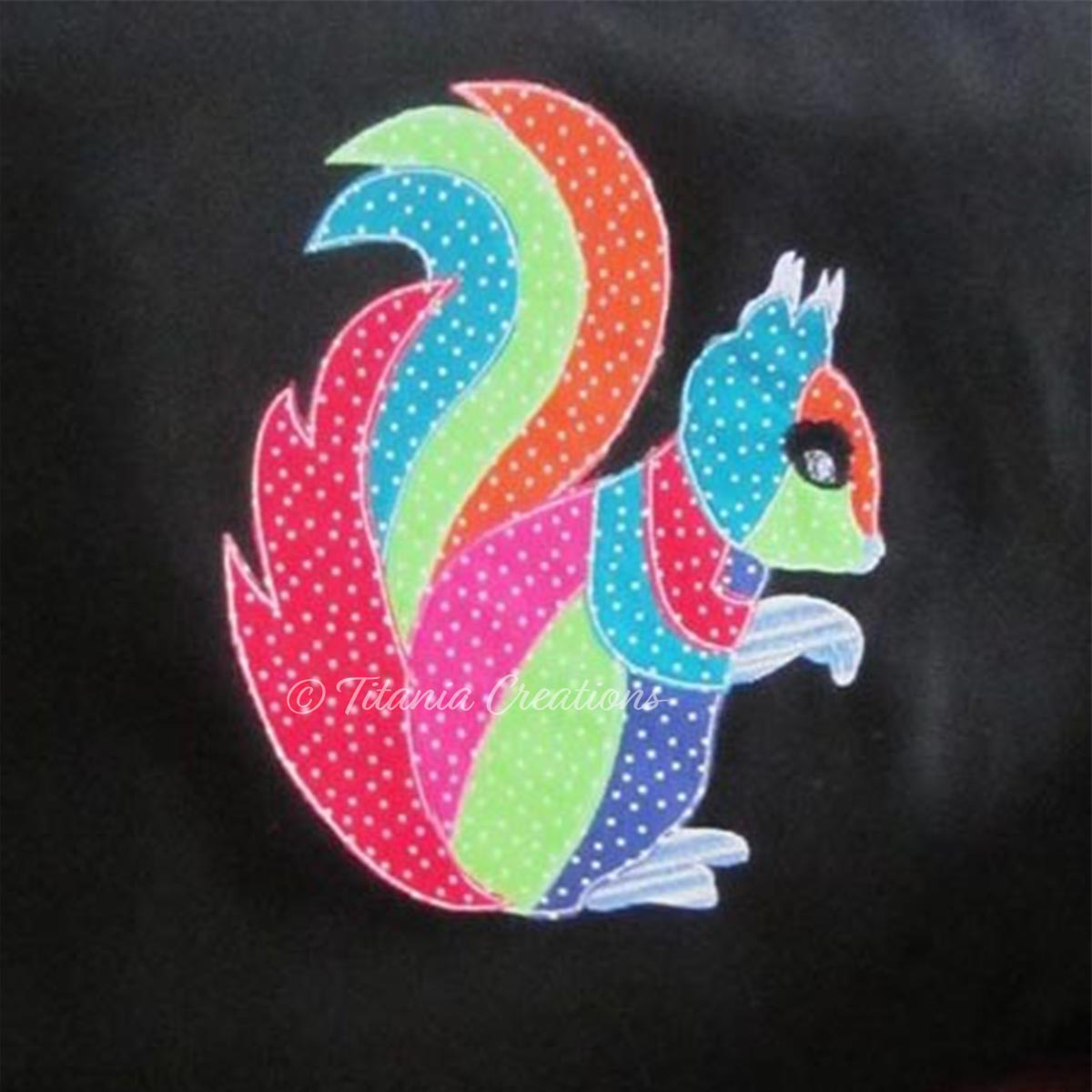 Raw Edge Applique Squirrel 5x7 6x10 8x12