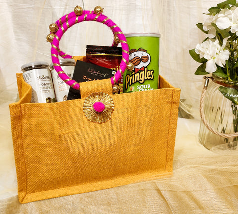 Jute bag, Room hamper, Reusable bag, Room hamper option, easy to carry hamper, hampers