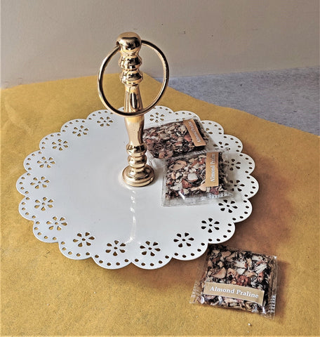 Lace Edge Cake Stand (Small)