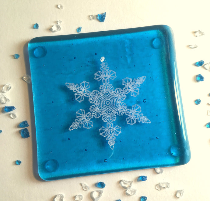 Snowflake Coaster in Turquoise  ***SECOND/DAMAGED ITEM *** / Winter Decor / Frozen Decor