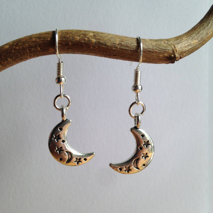 Moon Crescent Earrings / Moon Jewellery / Moon and Stars / Halfmoon Earrings