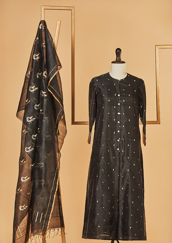 Chanderi Silk Black Kurta with Jaamdani Dupatta & Pants