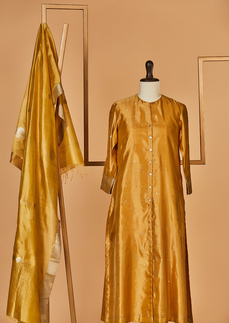 Chanderi Silk Mustard Kurta with Jaamdani Dupatta & Pants