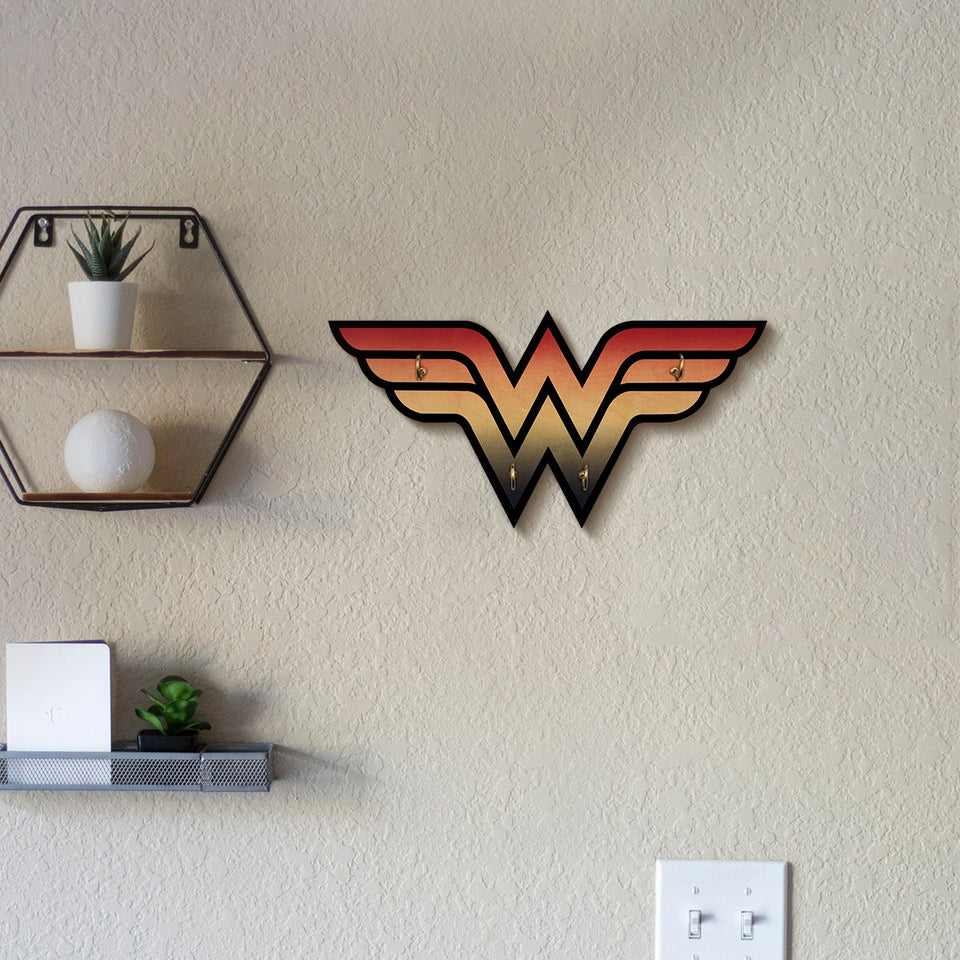 Wonder Woman Wooden Key Hanger - www.entertainmentstore.in