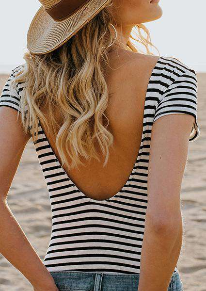 T-shirt backless a righe bianche e nere