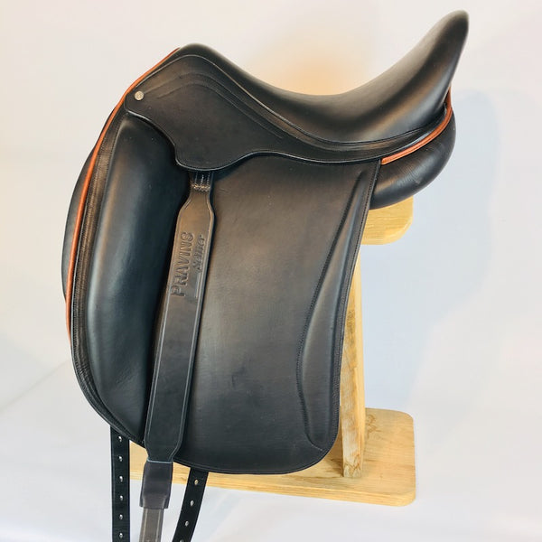 Pravins Sellier Wide Dressage Stirrup Leathers