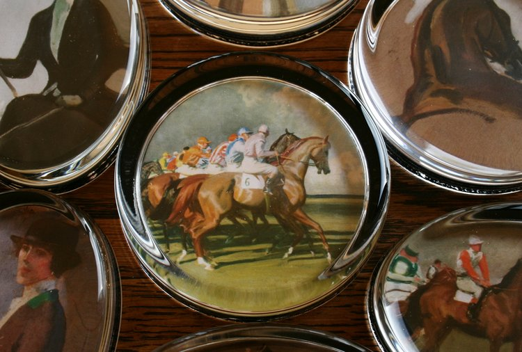 "Munnings ""Under Starters Orders"" Paperweight"