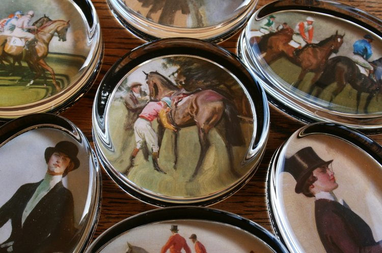 "Munnings ""Unsaddling at Epsom"" Paperweight"