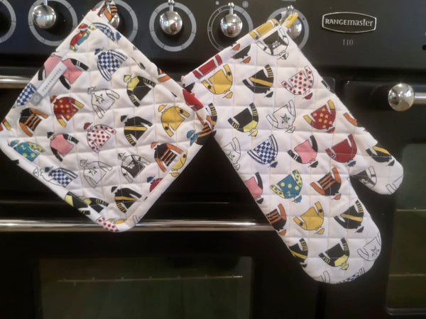 Pomegranate Oven Mitt & Potholder Set - Triple Crown