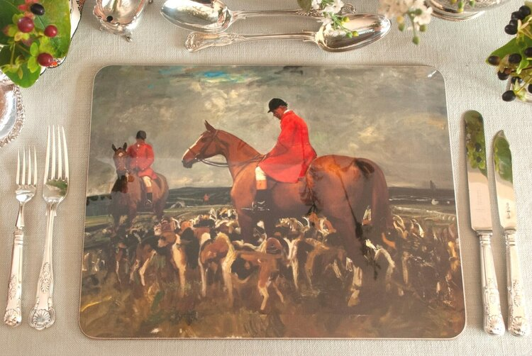 Isabel Scott Nobby Gray with the Hunt Serving Mat