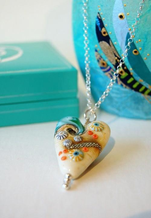 long sand sea heart pendant