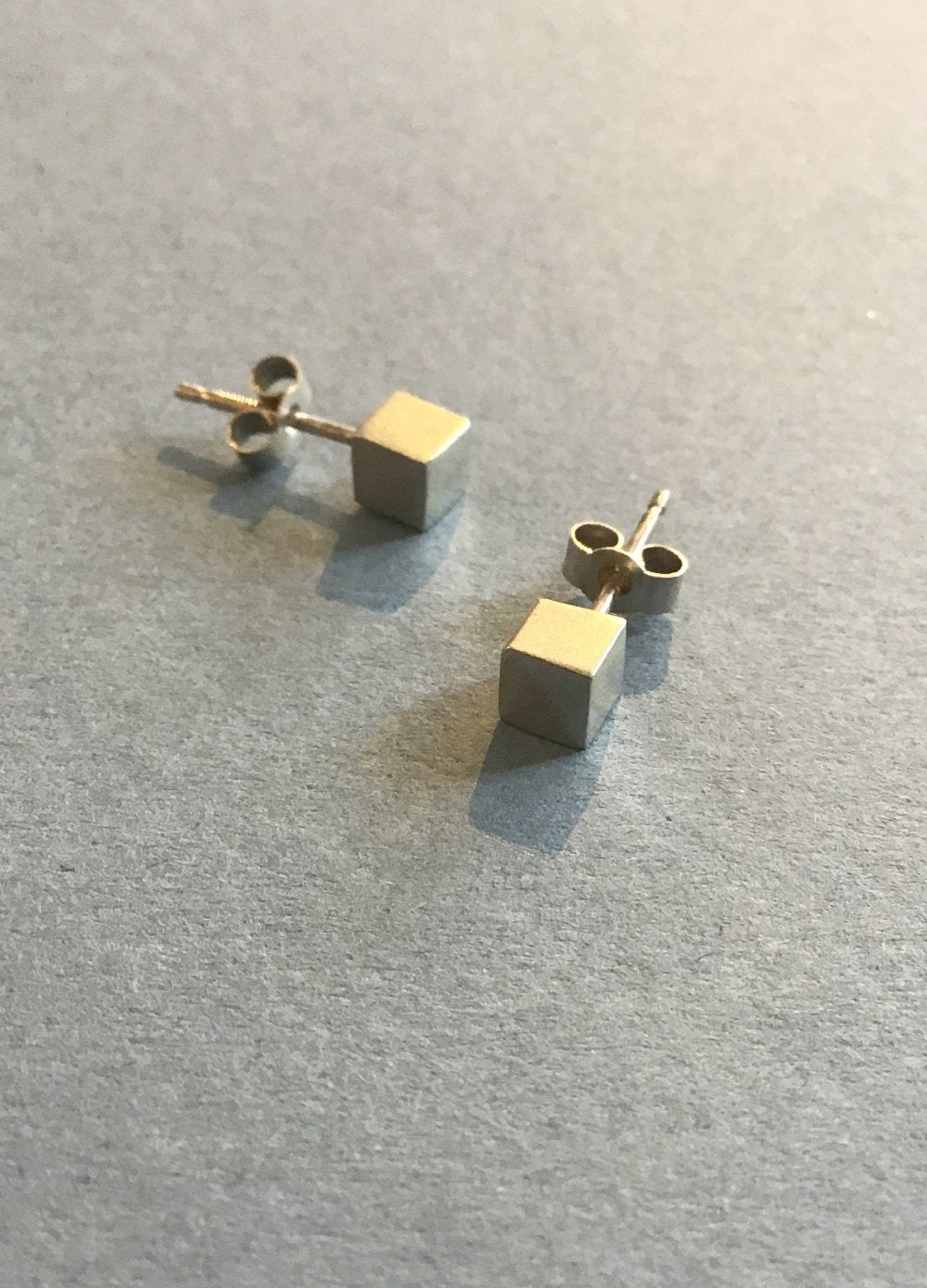Amy R Lee small cube  studs