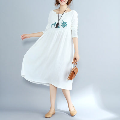 Top Quality Women Vintage Ethnic Flower Embroidered Cotton linen Casual Long white Dress Hippie Boho Loose V-neck dress female