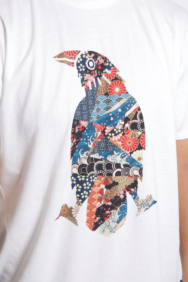 Karasu Clothing Co - White t-shirt, Japanese Pattern Crow design, model, detail shot