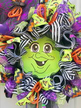 Witch Wreath with Hat and Legs, Halloween Party Theme Witch Hat, Spider Decor for Front Door