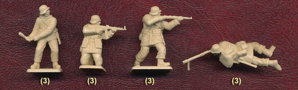 Italeri Miniatures 1/72 German Infantry (Winter Uniform)