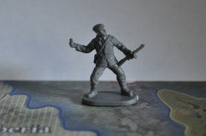 1/72 Caesar World War 2 Partisan in Europe Figure