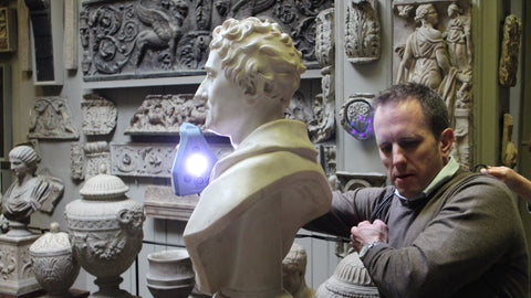 Scanning the bust using the Artec Space Spider 3D Scanner