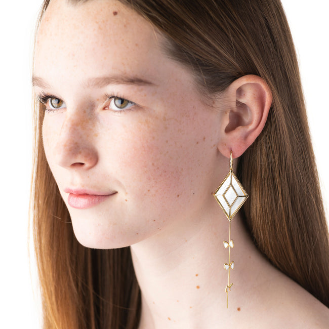 Grand Kite Earrings, Mother of Pearl