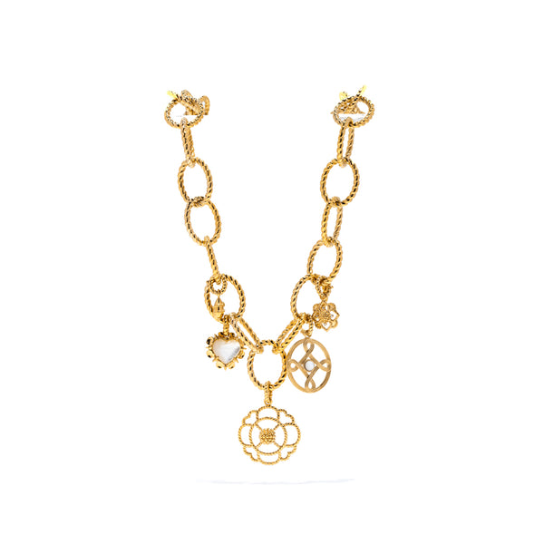Lily Charm, Gold
