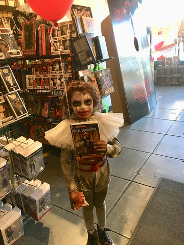 Golden Apple Halloween Comicfest Stranger Things II Scary Clown Costume Kid