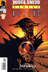 Judge Dredd Versus Aliens 4 Dark Horse 2003