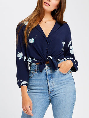 NAVY TOSSED FLORAL