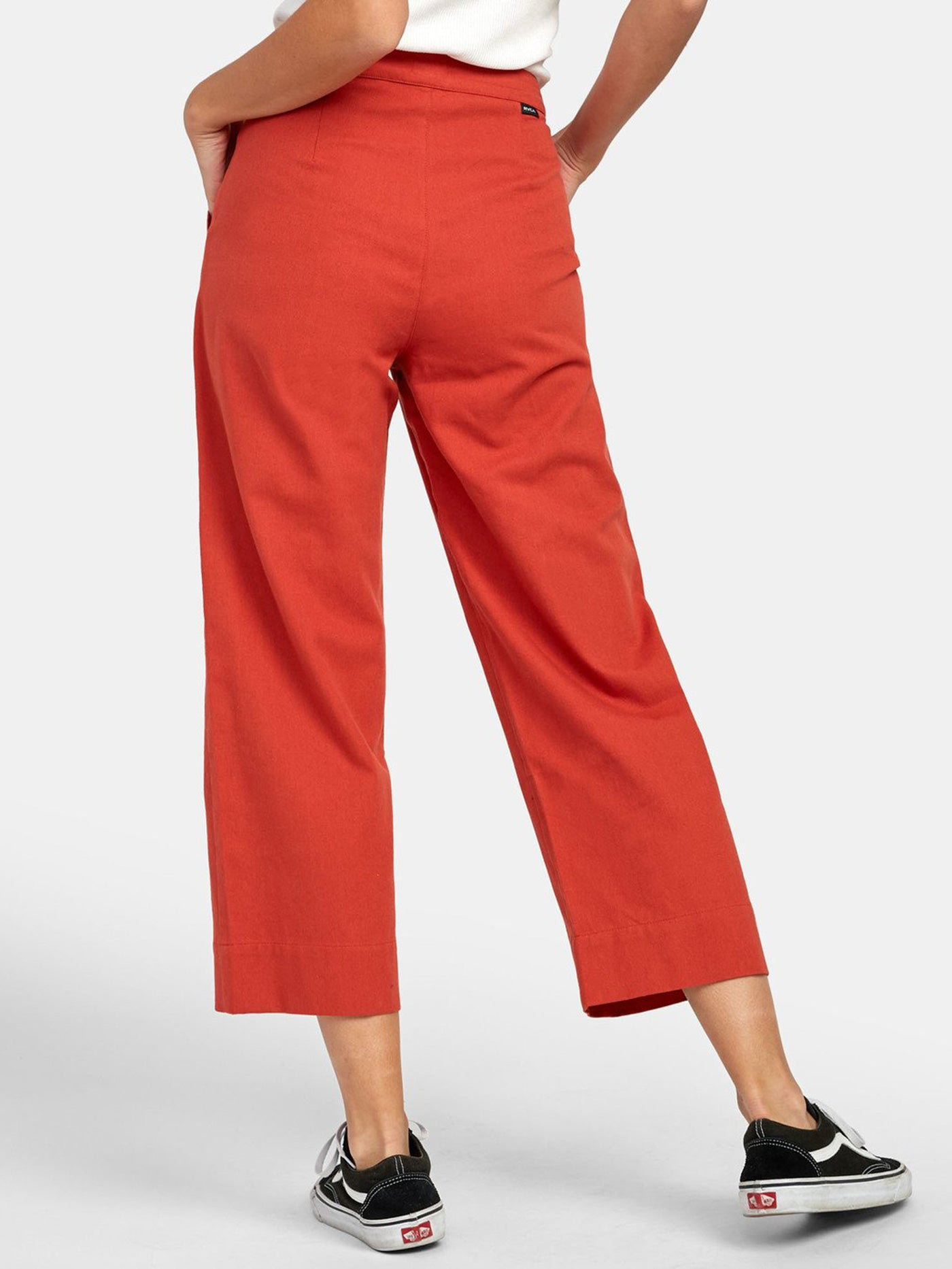 HOT CORAL (HCO)