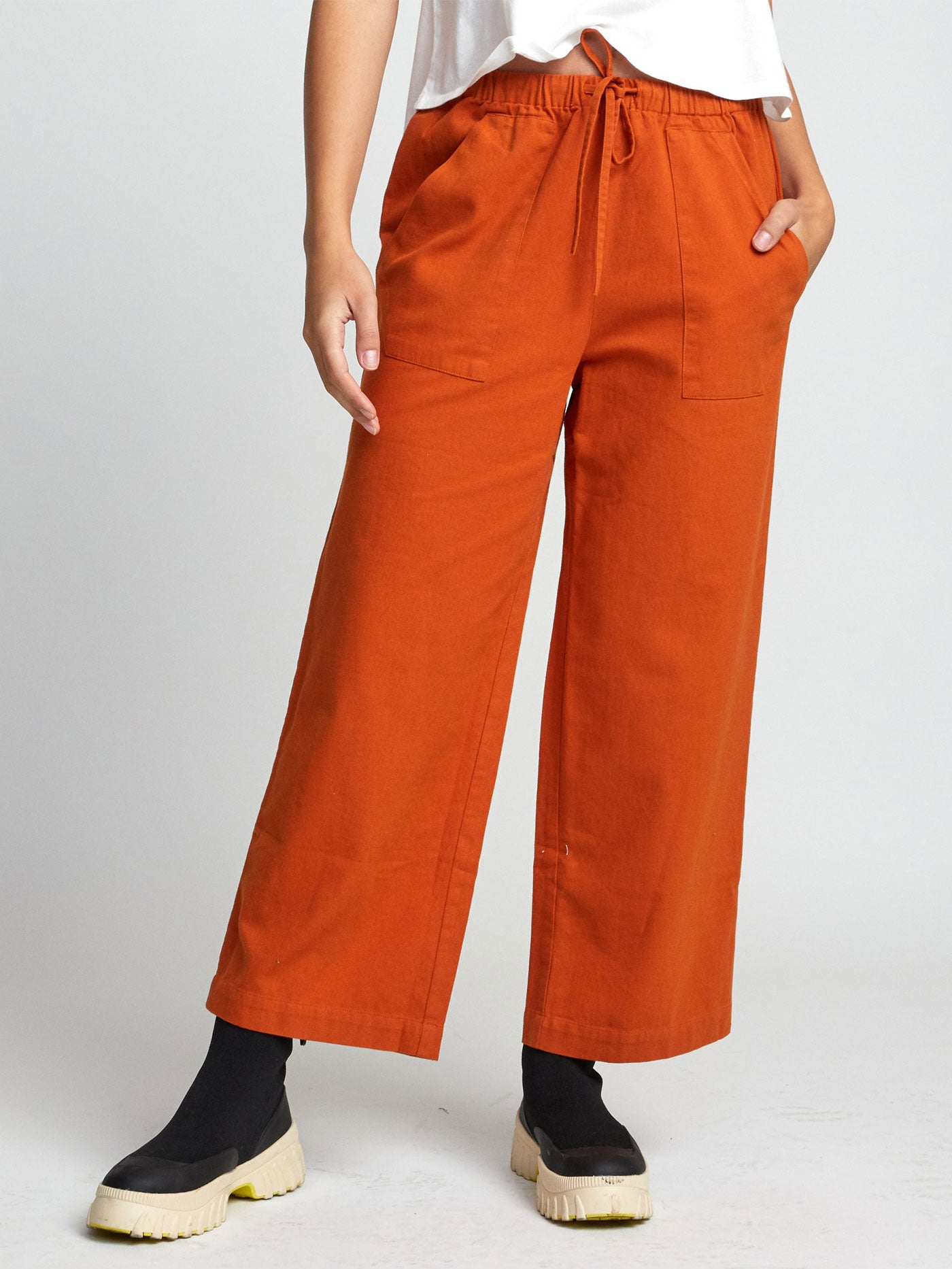Palla High Rise Wide Ankle Fit Pants