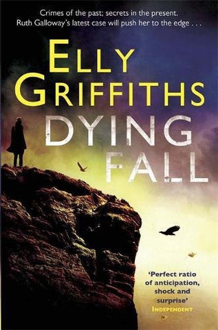 A Dying Fall (Ruth Galloway Mystery)