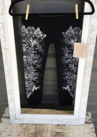 Black Leggings With Vintage Lace Rose Pattern