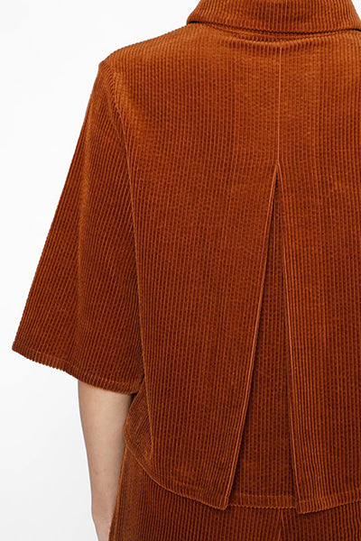 Corduroy Back-Pleated Button Down