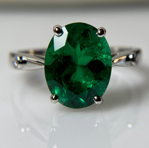 3.13 Carat Colombian Emerald, Platinum and Diamond Ring - AGL certified minor cedarwood oil