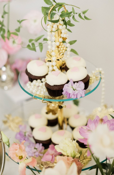 Tiered cupcakes and flowers