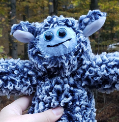One-Fanged Blue Cozy Monster