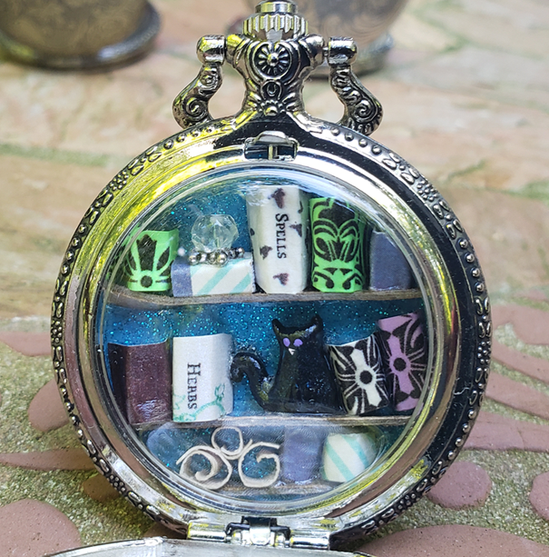 Pocket Watch Library with Black Cat (Purple Eyes), Silver
