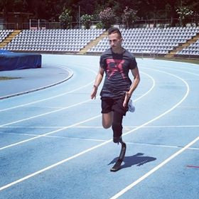 Freak Athletiq - Massimo Paralympic Athlete running