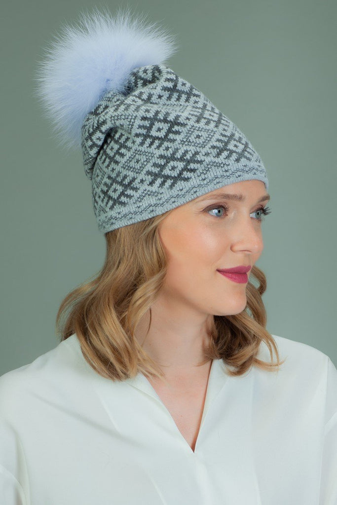 Slouchy Knit Wool Hat with Fur Pom-Pom in Rhombus Pattern - Gray