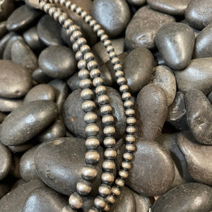 Load image into Gallery viewer, Genuine Sterling Silver 3 Strand Navajo Pearl 16inch Choker