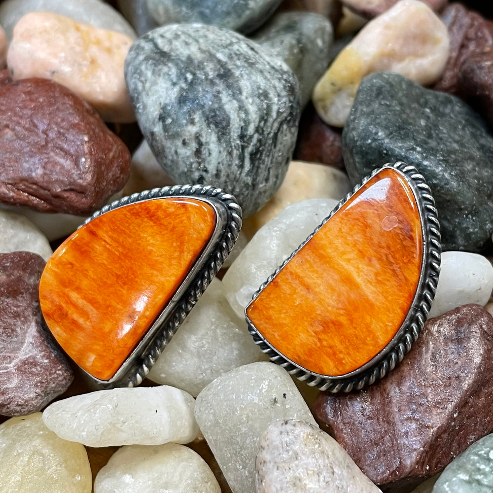 Load image into Gallery viewer, Genuine Spiny Oyster Large Orange Studs