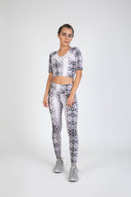 Biona Tight Monochrome Snake