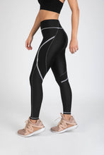 Surf Tight Black/White