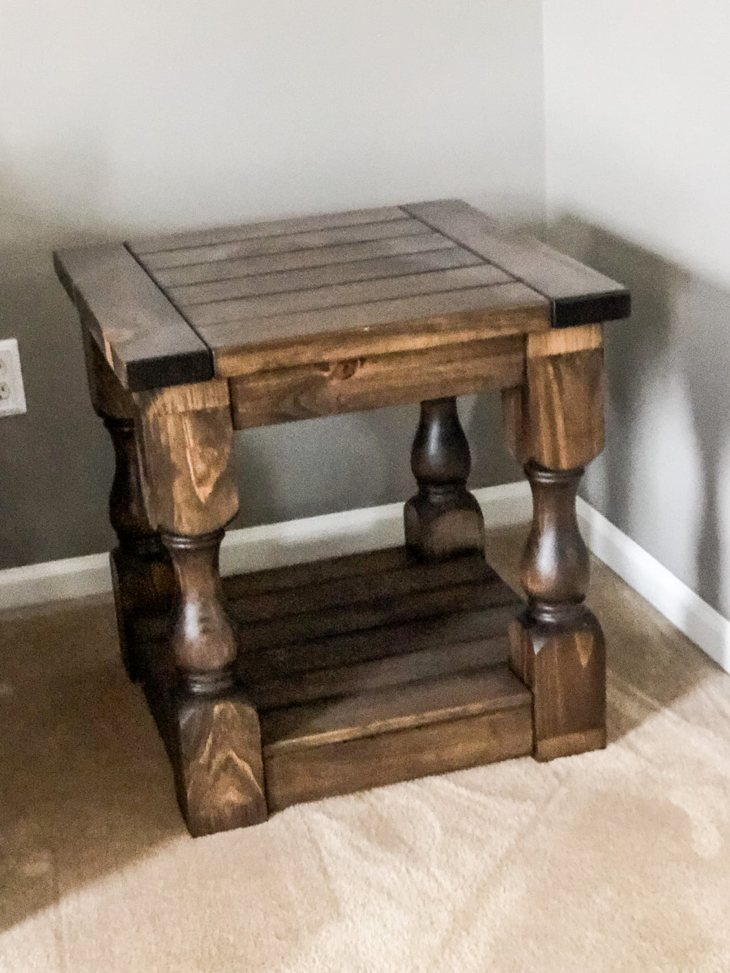 Hunter End Table - Pine